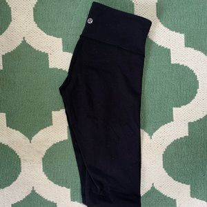 Black Lululemon Wunder Under Low-Rise Tight